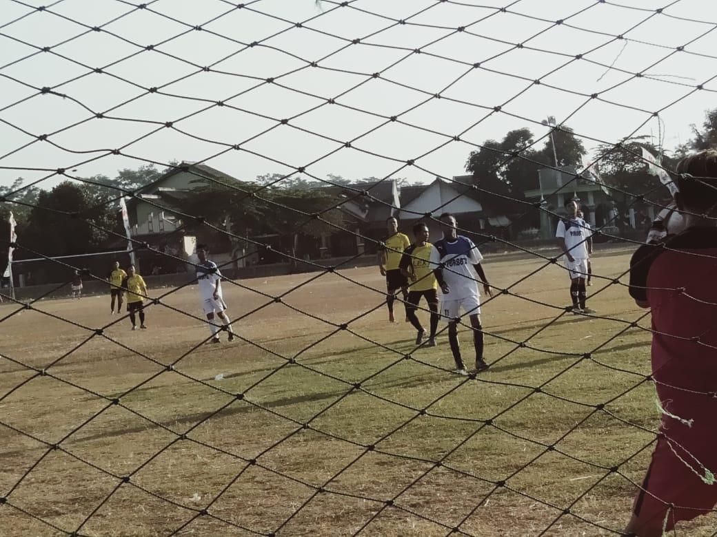 Pertandingan Sepak Bola Exsibisi Jelang Pesta Laut Desa Gempolsewu : PS PERSETA TAWANG TENGAH  VS PS ELZA KABUPATEN KENDAL Skor 2 - 0. Poin PS PERSETA